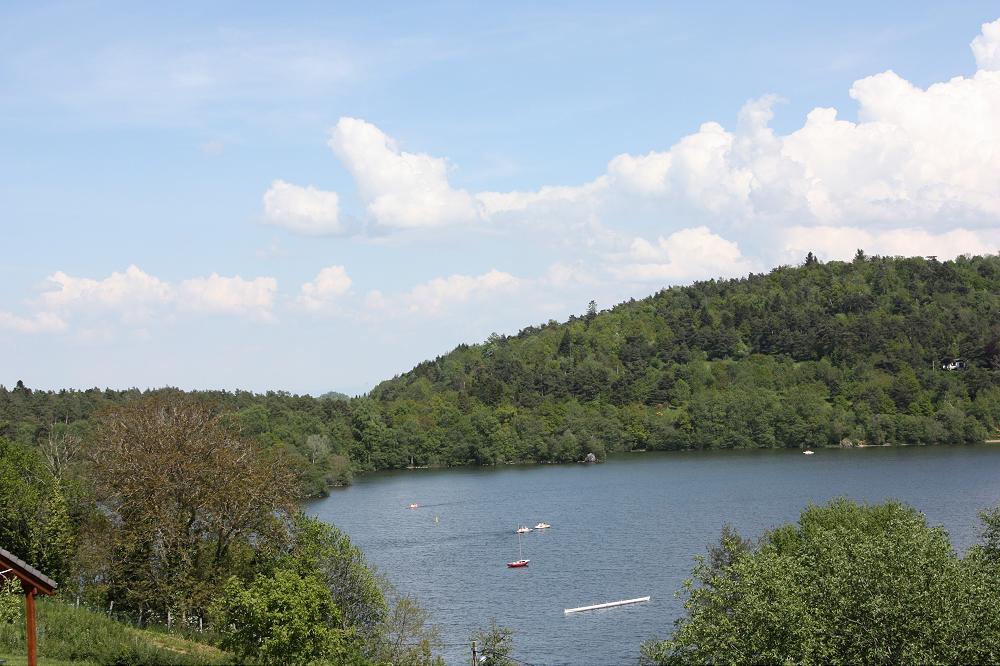 cing chalets du lac d aydat les chalets du lac