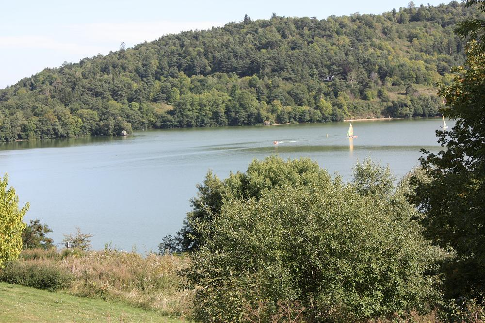 Location saisonnière en dernière minute Auvergne 63 grande photo 1
