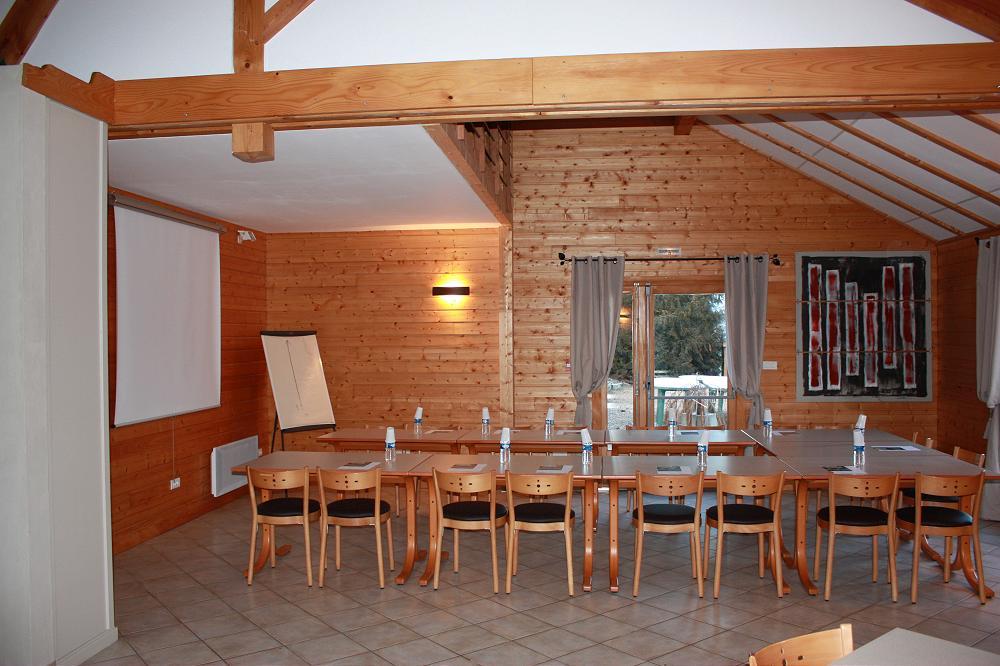 grande photo grand gîte pour groupe dans le Puy de Dome 63 en Auvergne 2