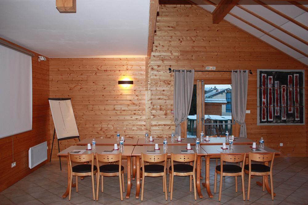 Location grand gîte accueil de groupe dans le Puy de Dôme 63 en Auvergne 2gp
