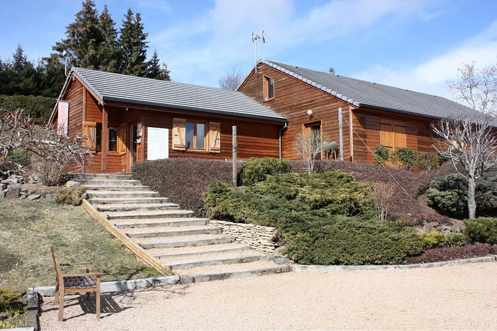 Location grand gîte de groupe Auvergne Aydat dans le Puy de Dôme 63 gp 1