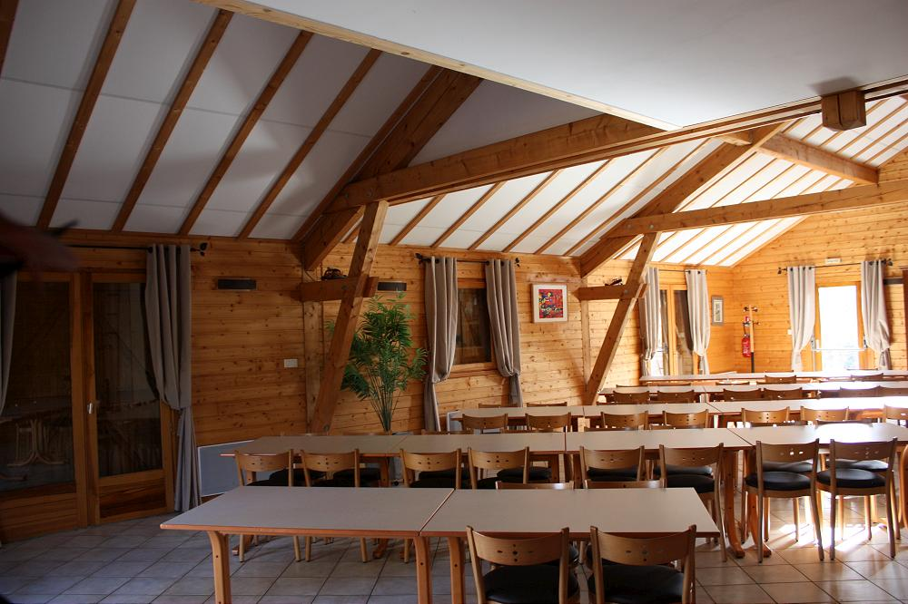 Location grand gîte de groupe Auvergne Aydat dans le Puy de Dôme 63 gp 4
