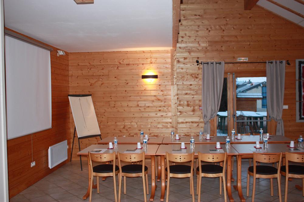 Location grand gîte de groupe dans le Puy de Dôme 63 Auverne à Aydat gp 2