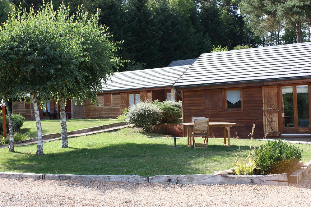 location gite rural à côté de Vulcania dans le Puy de Dôme 63 Auvergne - grande photo 1